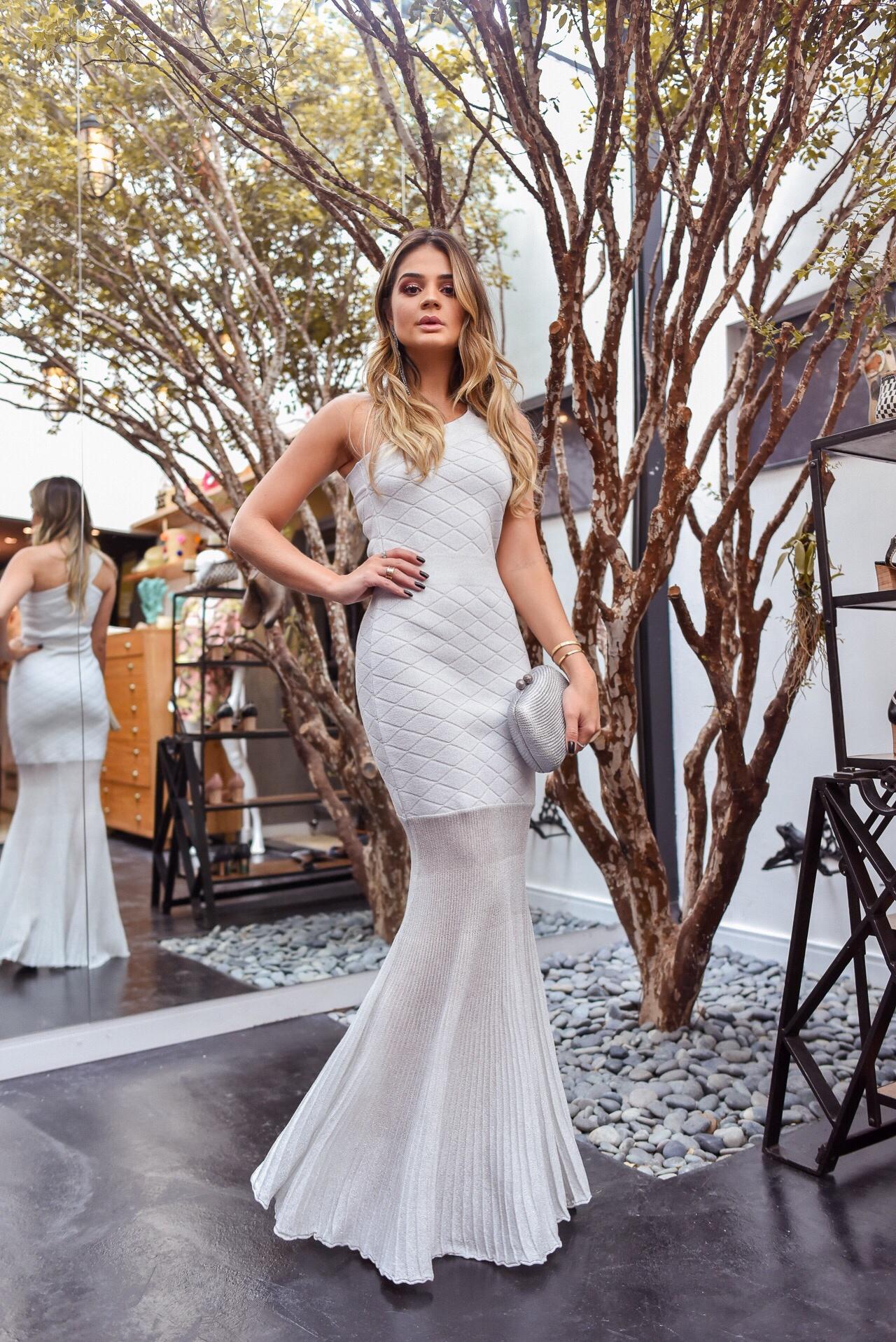47ec1e3fd88f Vestido longo branco: 60 inspirações que provam a versatilidade da peça
