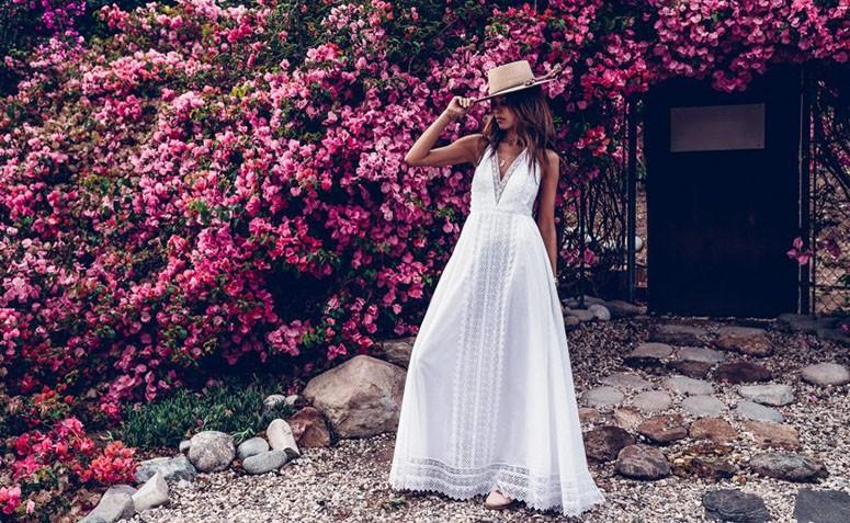 Tem Na Web - Vestido longo branco: 60 inspirações que provam a versatilidade da peça