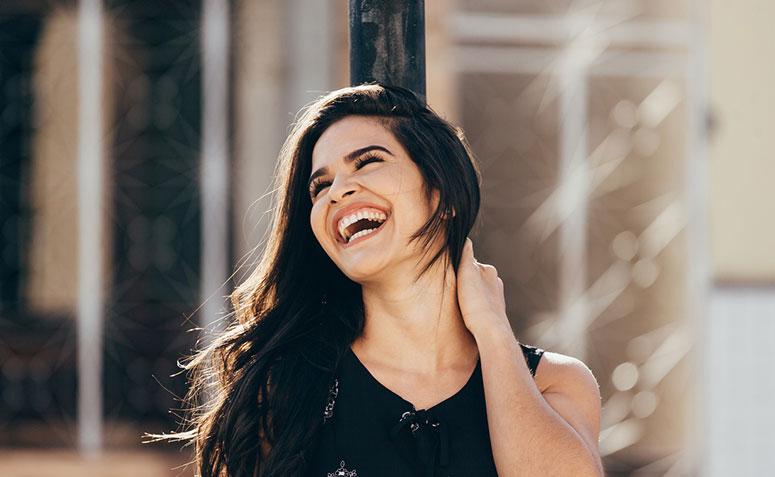 100 Legendas Para Fotos Sorrindo Que Vão Contagiar A Sua