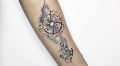 Tatuagem de bússola: 70 imagens para se apaixonar