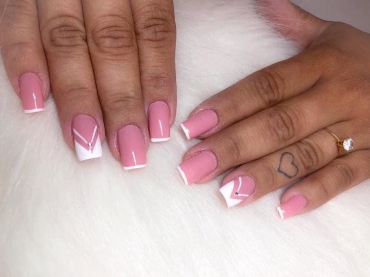 unhas-decoradas-rosa-com-pedras