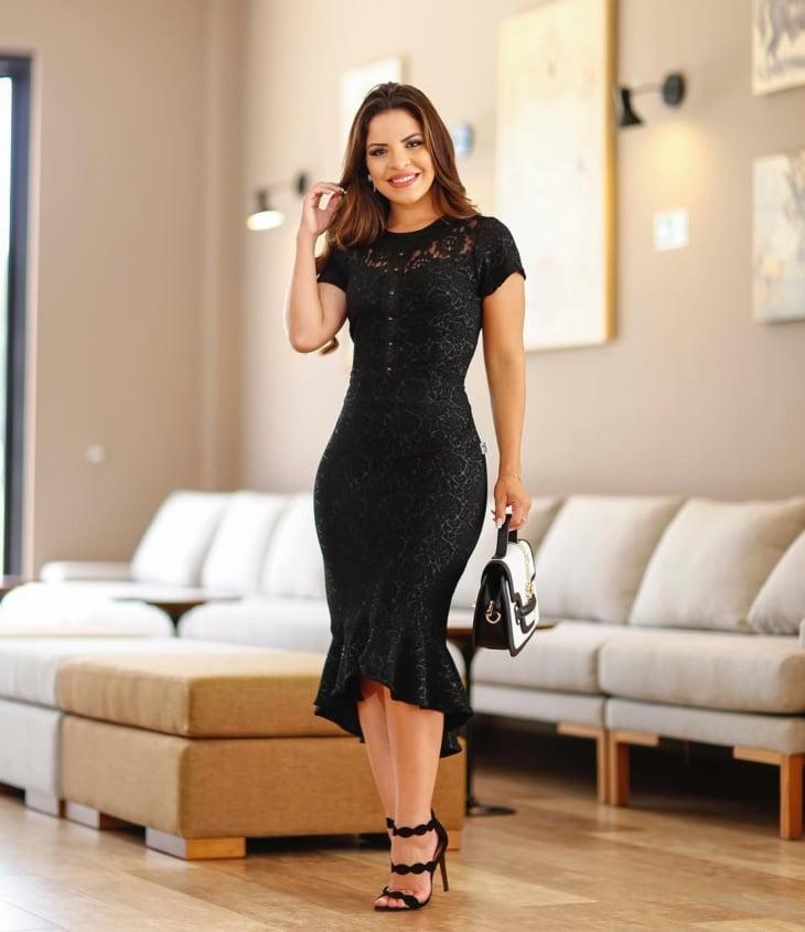 14350bef0 Vestido midi preto: 60 modelos maravilhosos para todas as ocasiões