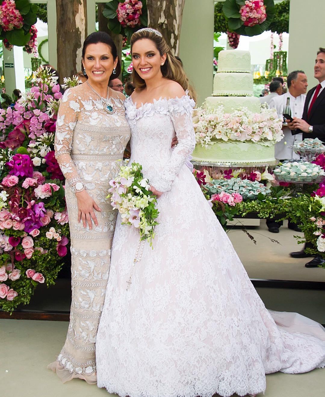 f1ef3256b97df1 Vestido para mãe da noiva: 150 fotos para você escolher o modelo ideal