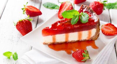 Cheesecake de morango: 19 receitas impossíveis de resistir