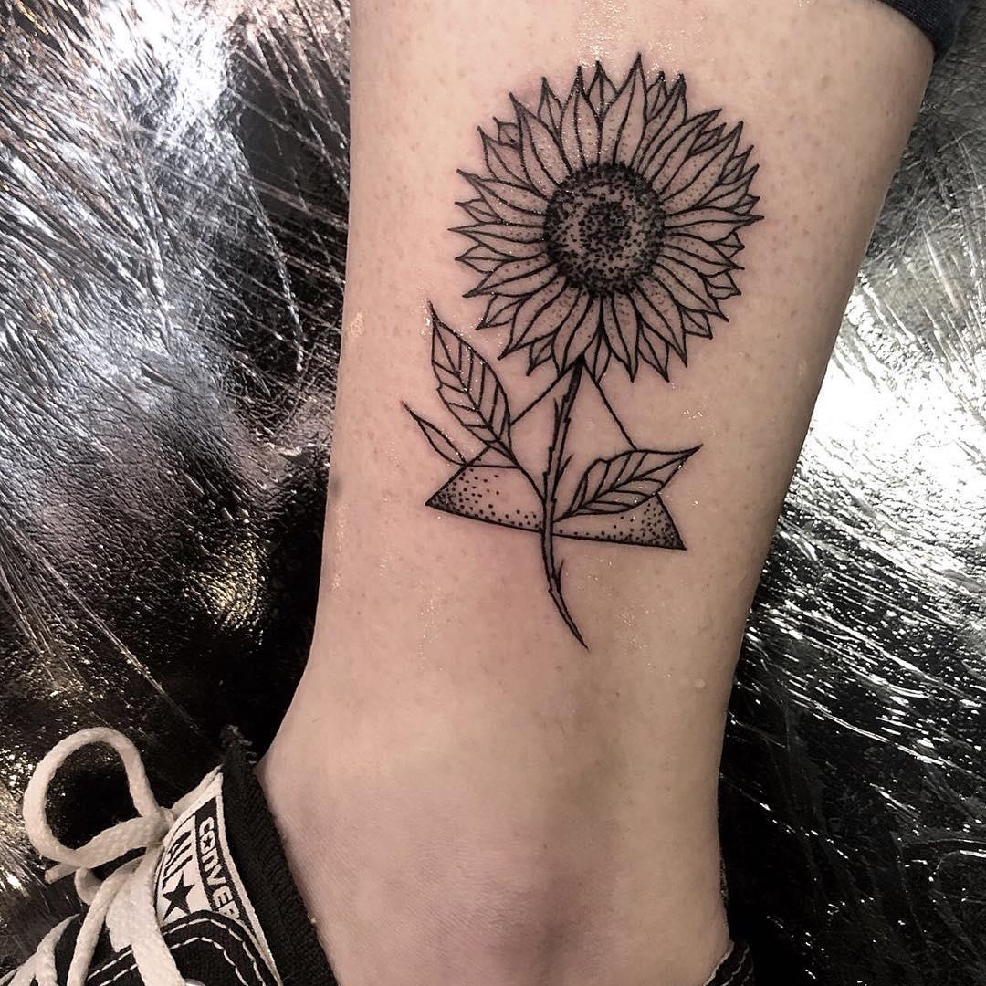 Tatuagem de girassol 85 opções lindas para registrar na pele
