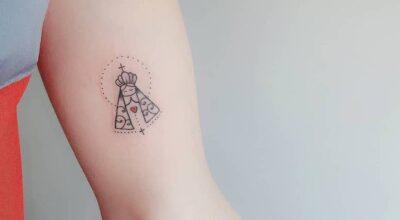 65 fotos de tatuagem de Nossa Senhora que vão te inspirar