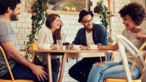 Como conhecer pessoas novas: veja dicas simples e aplicativos práticos