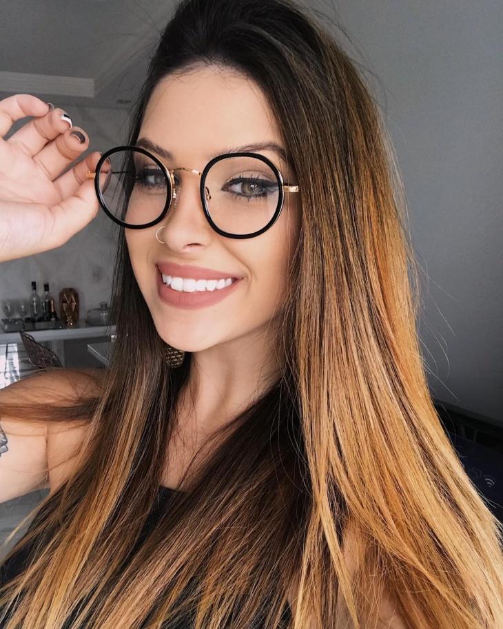 ae300516b Modelos de óculos: 60 ideias para cada tipo de rosto [FOTOS]