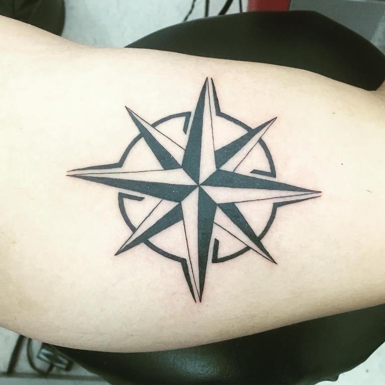 Tatuagem Rosa Dos Ventos 50 Ideias Lindissimas Do Simbolo Milenar