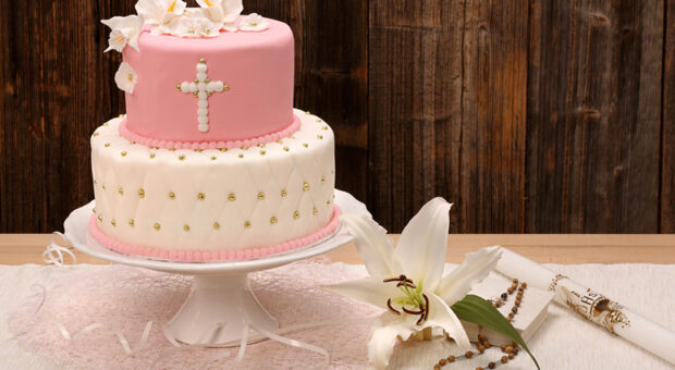 50 inspirações de bolo de batizado graciosas e criativas