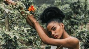 Penteados para cabelos crespos: opções lindas e muito empoderadas