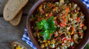 Salada de berinjela: 21 receitas que vão valorizar o ingrediente