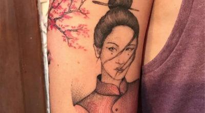 Tatuagem de gueixa: significado e ideias para se inspirar
