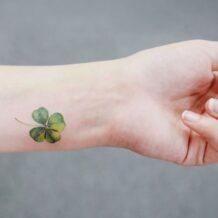 Tatuagem de trevo: significado e 70 ideias para inspirar a sua tattoo
