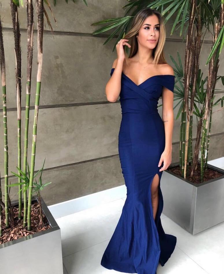 cfa54c9b2c091 Vestido de formatura azul: inspire-se em 50 modelos de diferentes tons