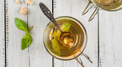 Chá de manjericão tem propriedades valiosas para a saúde e bem-estar