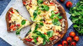 10 receitas de pizza low carb deliciosas para quando bate aquela fome