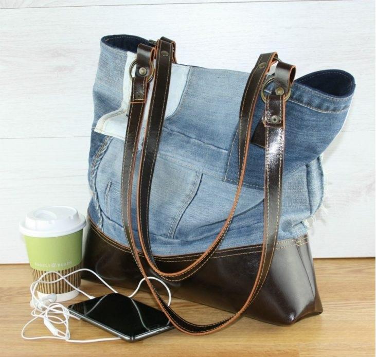 c615ab847 Bolsa jeans: 45 ideias e como fazer essa peça que nunca sai de moda
