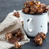 13 receitas de pipoca gourmet para um cinema em casa mais especial