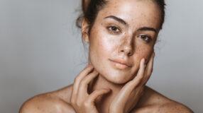 Adstringente: saiba como adicionar esse produto na rotina de skincare
