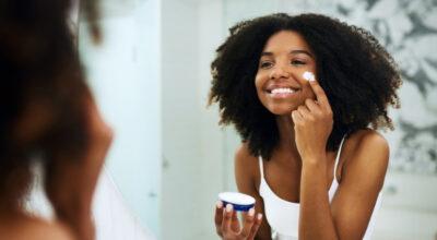 Hidratante para pele oleosa: 10 opções incríveis para todos os bolsos