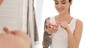 Cuidados com a tatuagem: descubra os principais para não ter problemas