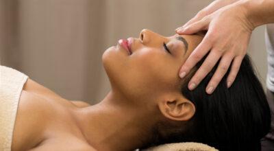 Massagem facial: tudo sobre essa técnica relaxante e rejuvenescedora
