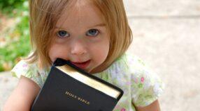 Nomes bíblicos femininos: as 70 sugestões mais bonitas