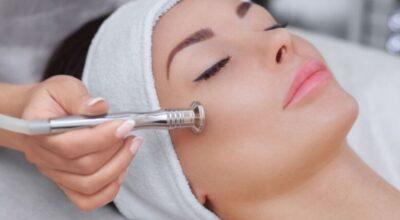 Peeling de cristal: o que é e quais os benefícios desse tratamento