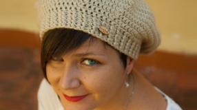 Boina de crochê: peça clássica e charmosa para os dias mais frios