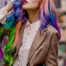 Cabelo arco-íris: 50 ideias e tutoriais para um estilo cheio de personalidade