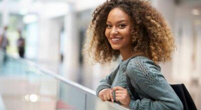 Difusor de cabelo: como usar o acessório que deixa seus cachos mais definidos