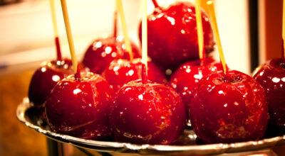 12 receitas de maçã do amor para se apaixonar por esse doce clássico
