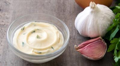 Molho de alho: 12 receitas para incrementar ainda mais seus pratos