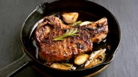 Bisteca de porco: 15 receitas para aproveitar todo o sabor da carne suína