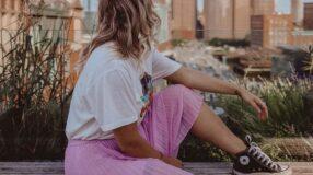 Looks com tênis: 45 inspirações para aproveitar ao máximo esse calçado