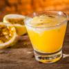Caipirinha de maracujá: 12 receitas perfeitas para quem gosta de inovar