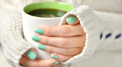 10 chás para cólica que ajudam a aliviar a dor