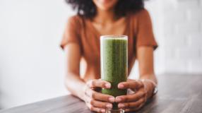 Suco seca barriga: conheça 13 sucos saudáveis e diga xô para as gordurinhas