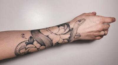Tatuagem de cobra: 75 ideias para quem procura um desenho com significado