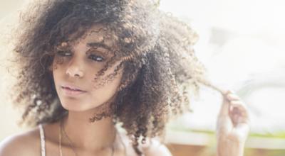 Scab hair: o que é + dicas para cuidar dos fios nesse momento