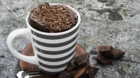 16 receitas de bolo de caneca de chocolate para testar hoje mesmo