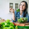 Saiba como desinchar rapidamente com 6 dicas de uma nutricionista e receitas
