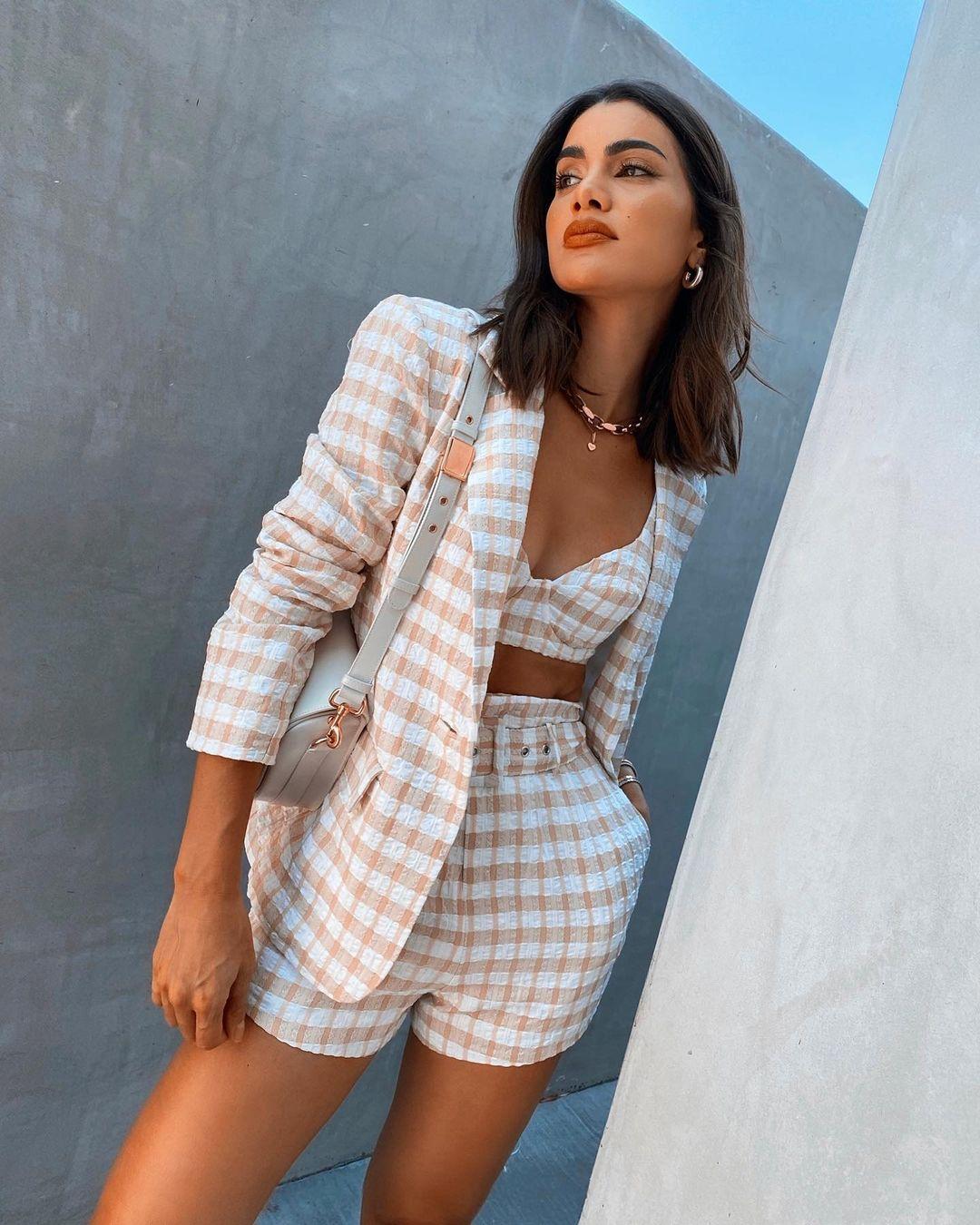 cropped xadrez 29 1 - 30 Outfits a cuadros para inspirarte y ponerte en tendencia