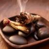 O poder dos aromas: descubra como fazer e onde comprar incenso natural