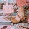 30 modelos lindos de clogs que vão te convencer a comprar esse sapato