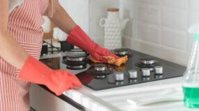 Aprenda como limpar fogão de maneira rápida e dê adeus à sujeira