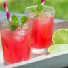 10 receitas de pink lemonade que vão refrescar os seus dias