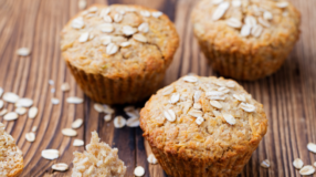 10 receitas de bolos saudáveis que comprovam que o doce fit é saboroso