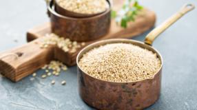 Como cozinhar quinoa e 5 receitas incríveis para aproveitar seu sabor
